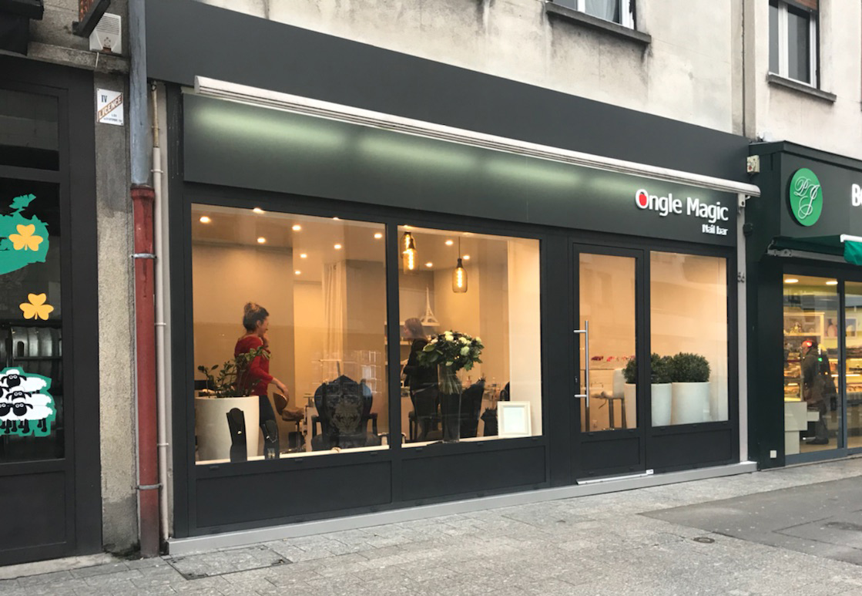 Remplacement façade de magasin Ongle Magic Normandie